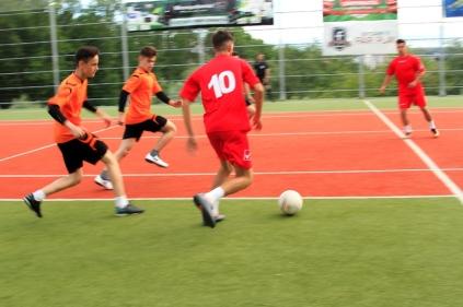 Campionatul de fotbal 2018044
